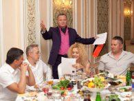 Поющий ведущий на новогодний корпоратив, юбилей, свадьбу в ресторане Шахин-Шах