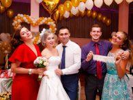Букет невесты и подвязка